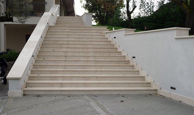stair Botticino Classic