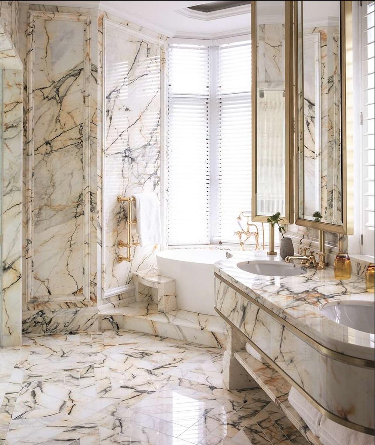 Bathroom hotel Paonazzo